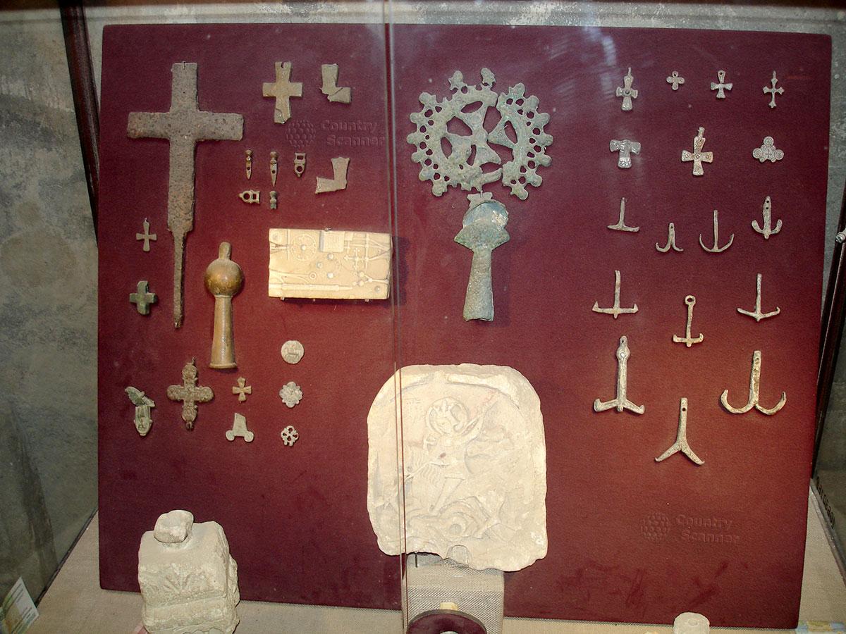 Артефакты найденные в Генуэзской крепости
