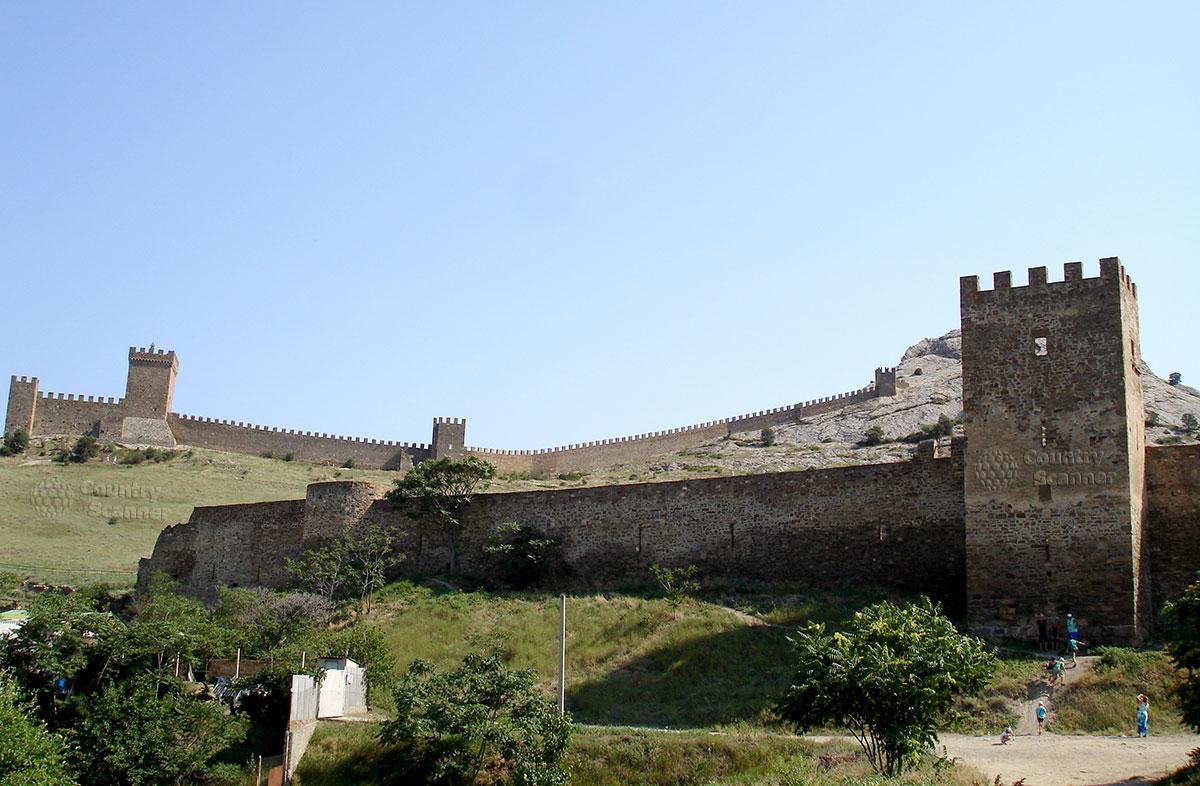 Место, где находился город Солдайи, рядом с Генуэзской крепостью
