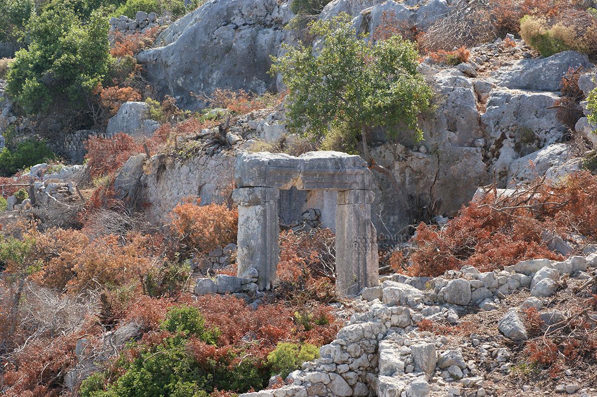 Остров Кекова. Руины Долихисте.