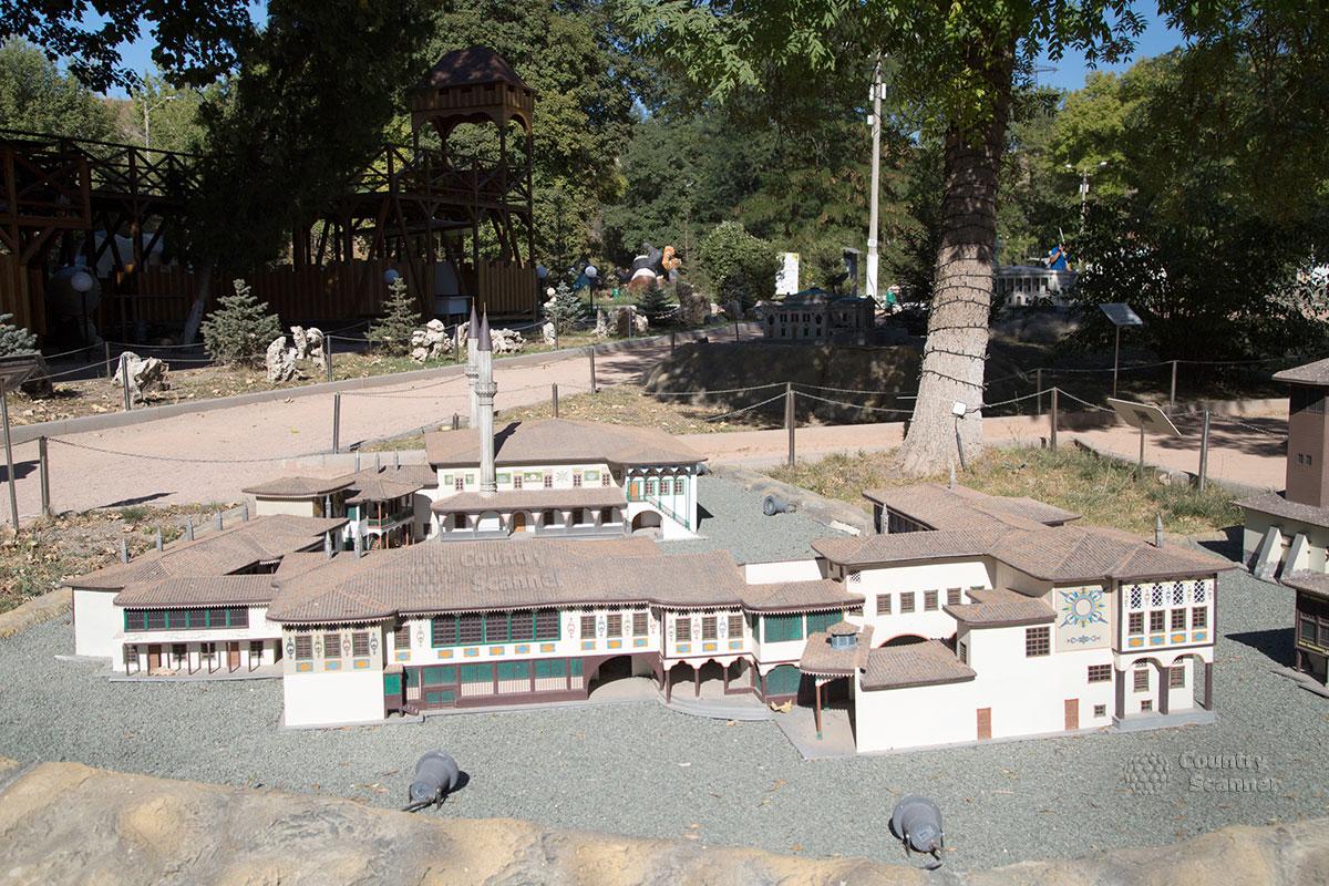 Ханский дворец в парке миниатюр Бахчисарай