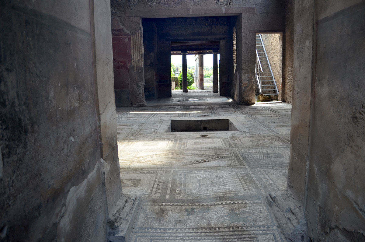 Город Помпеи. Помещенные, некогда погребенные под слоем лавы.