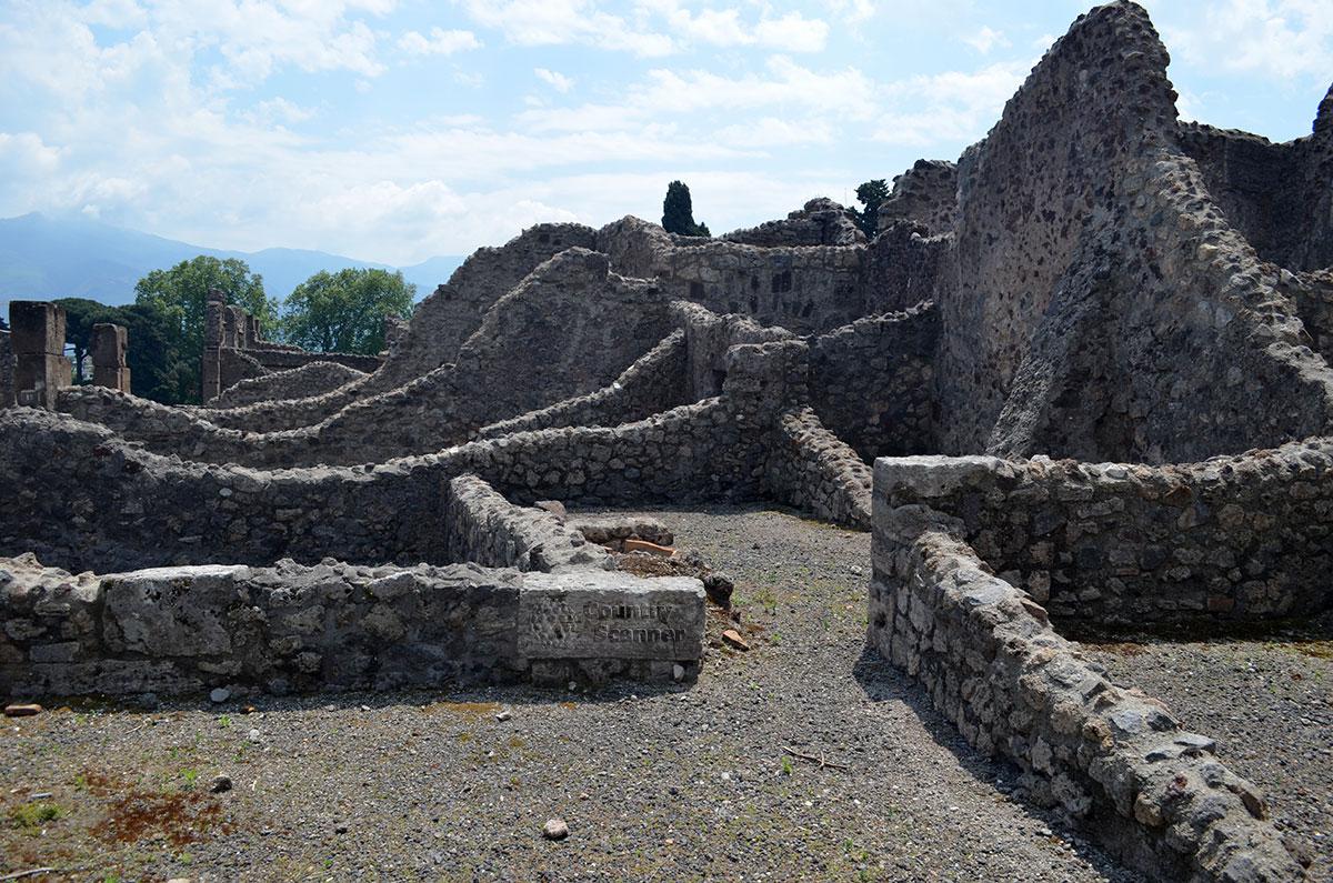 Руины города Помпеи, утерянные на 15 веков.