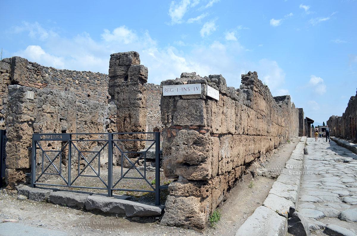 Город Помпеи. Наши дни.