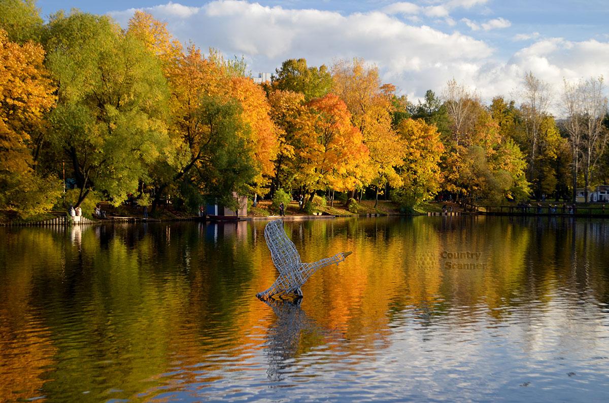Пруд в Воронцовском парке
