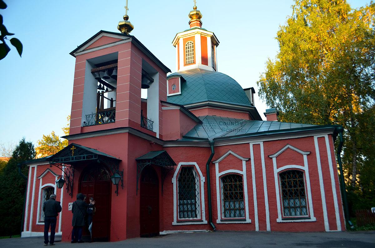 Церковь на территории Воронцовского парка