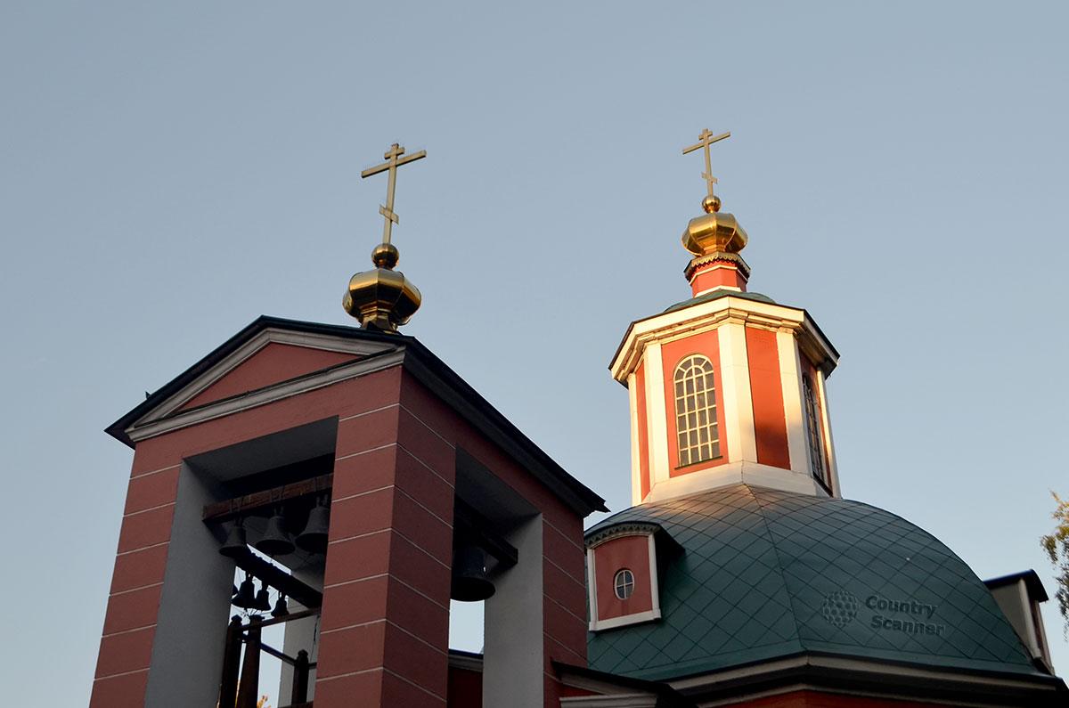 Верхняя часть церкви в Воронцовском парке