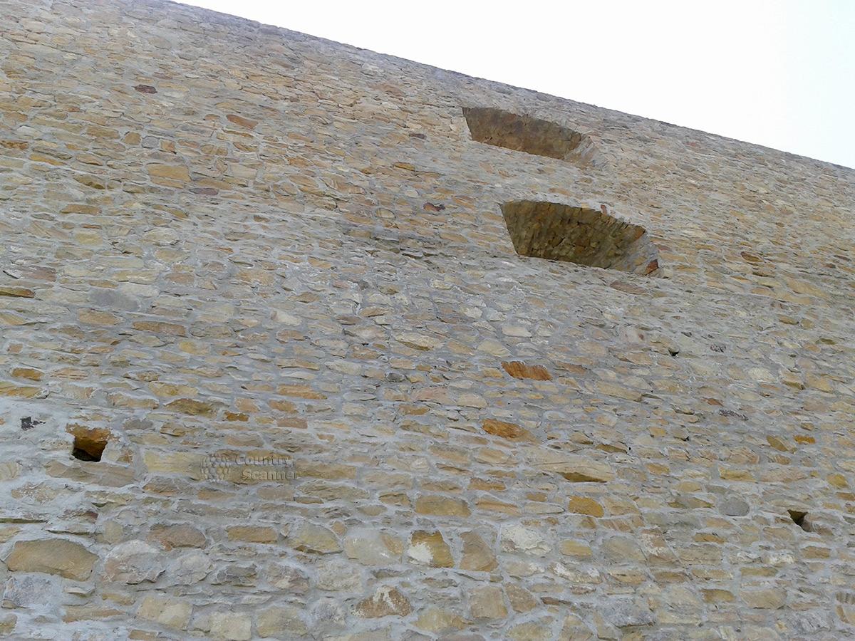 Крепкие стены бастиона Дорошенко