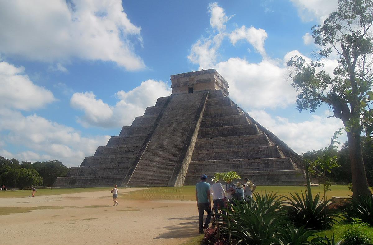 Чичен Ица. Пирамида Кукулькана.