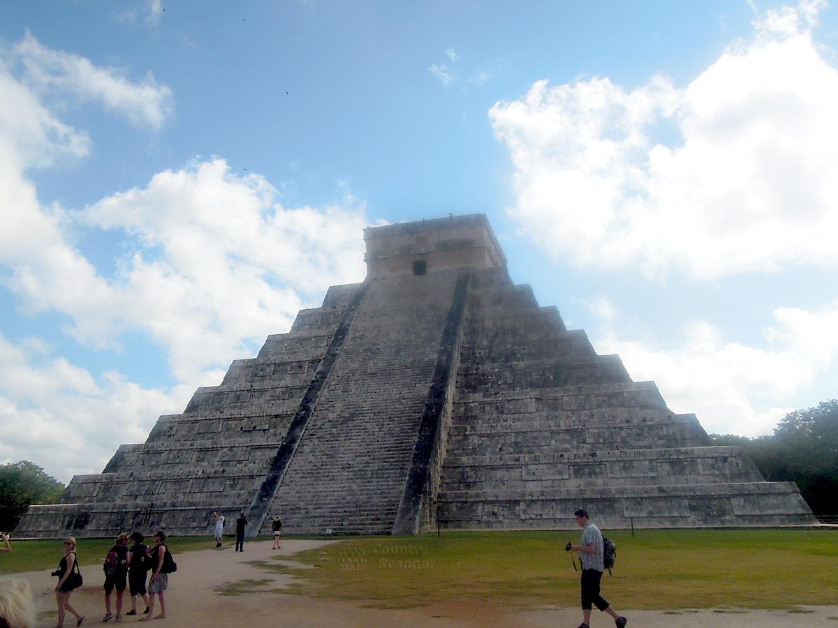 Пирамида Кукулькана - визитная карточка города Чичен-Ица