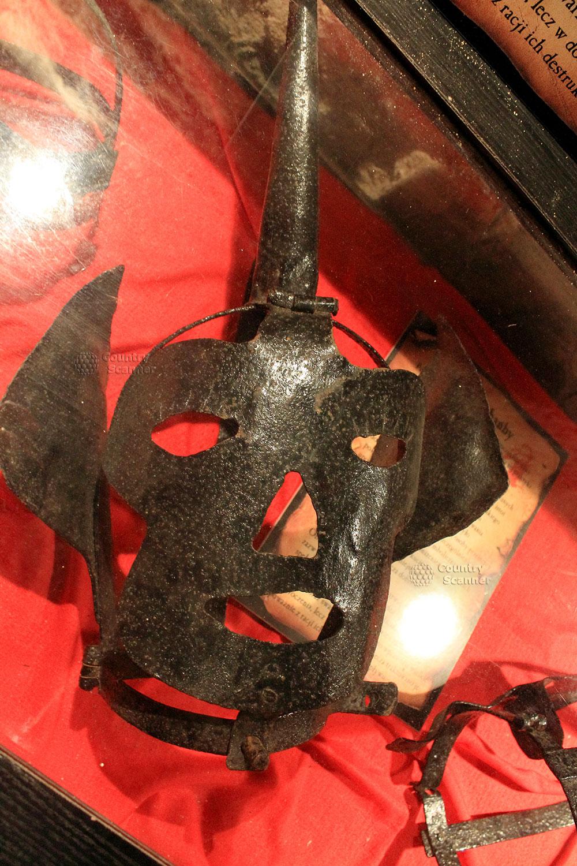 Средневековое орудие для пыток в замке Гродно