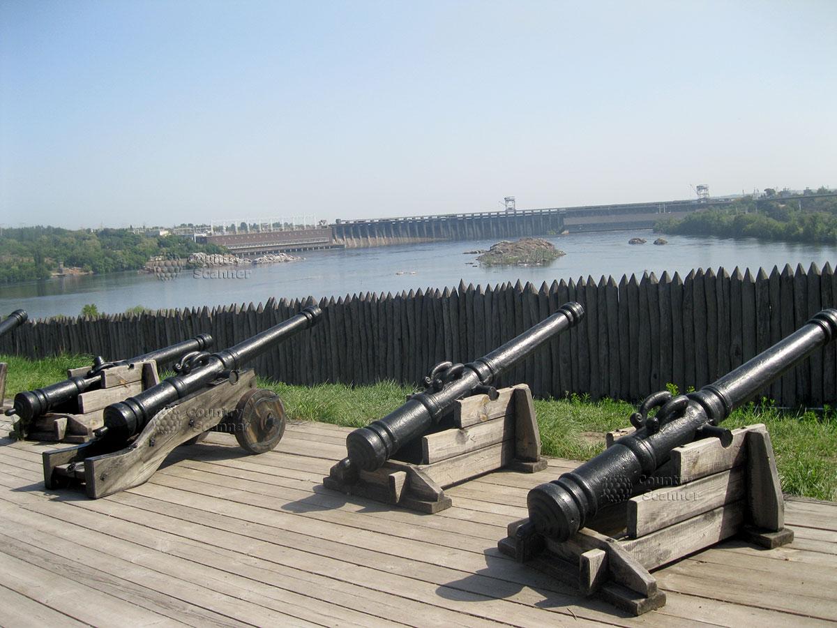 Запорожская Сечь на острове Хортица. Защитное укрепление с видом на Днепр.