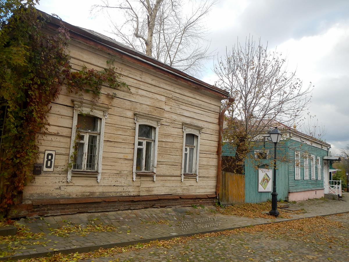 Крутицкое подворье. Жилые дома напротив.
