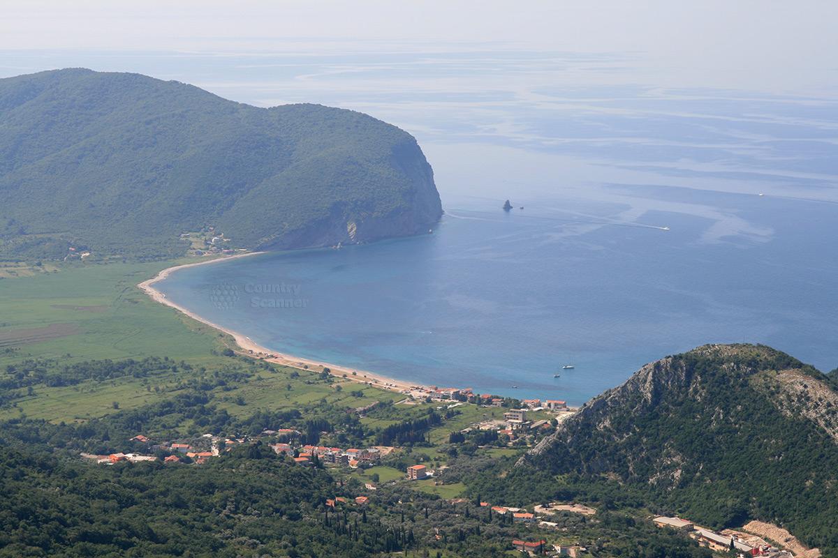 Скадарское озеро. Прибрежное поселение.