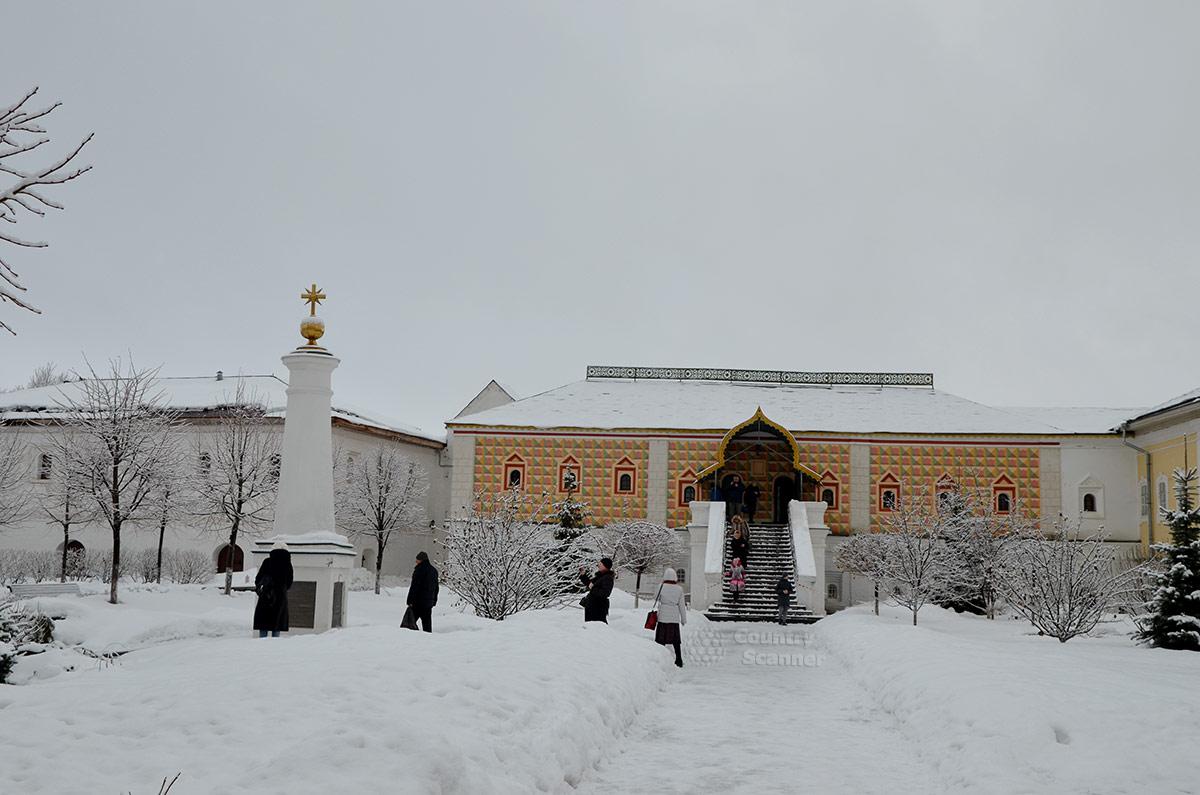 Внешний облик Царских палат Ипатьевского монастыря.