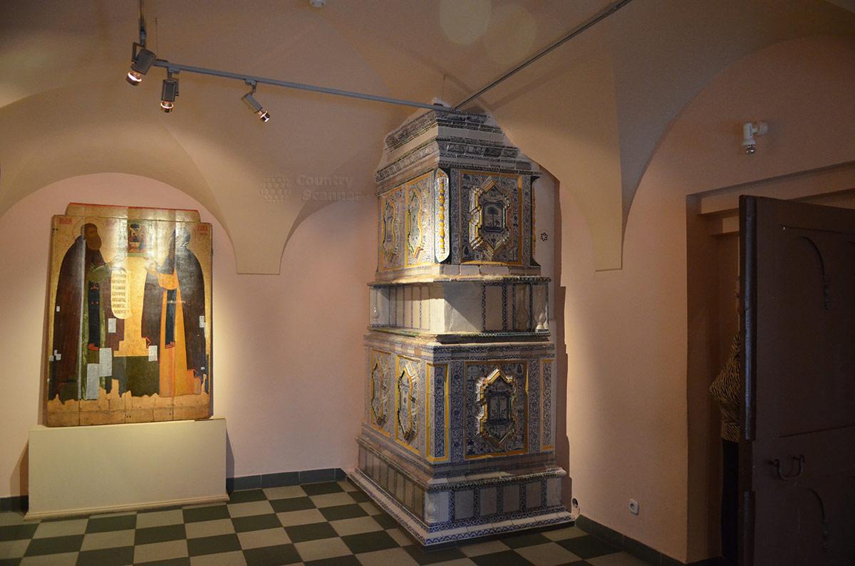 Ипатьевский монастырь. Уникальная изразцовая печь для отопления Царских палат.