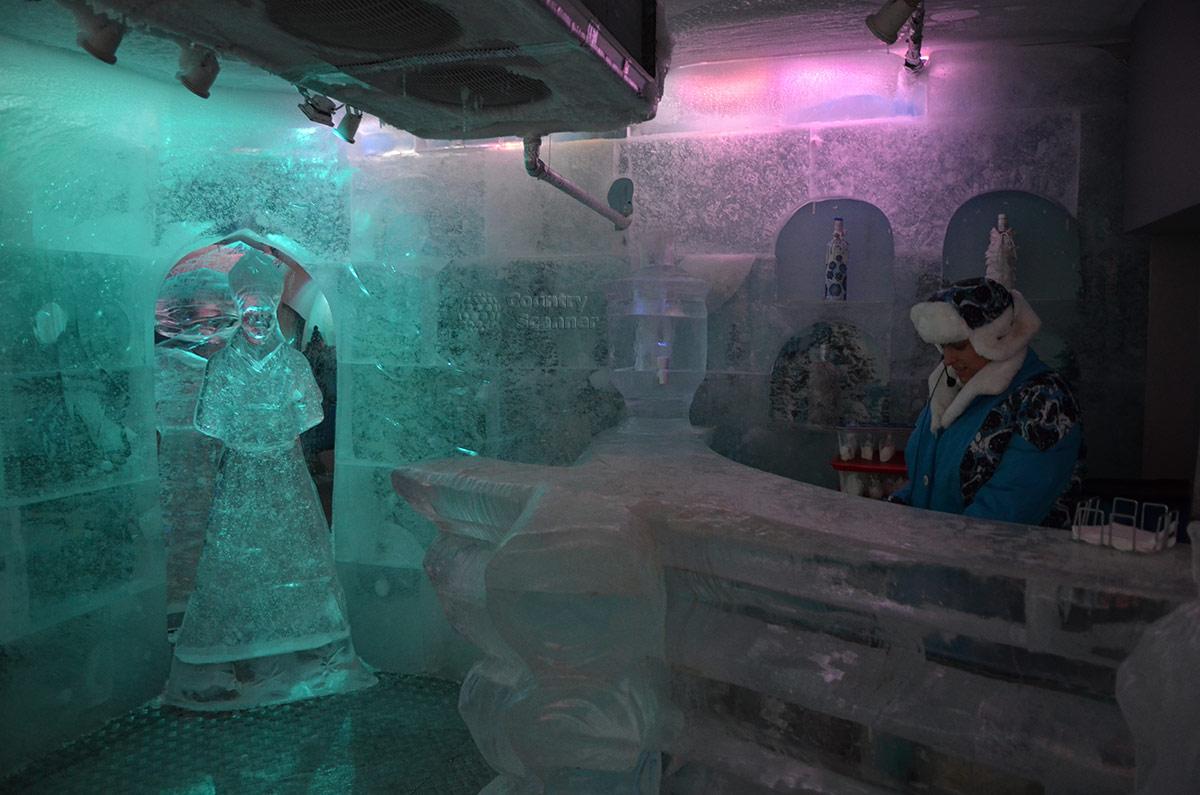 Терем Снегурочки. Ледяные фигуры.