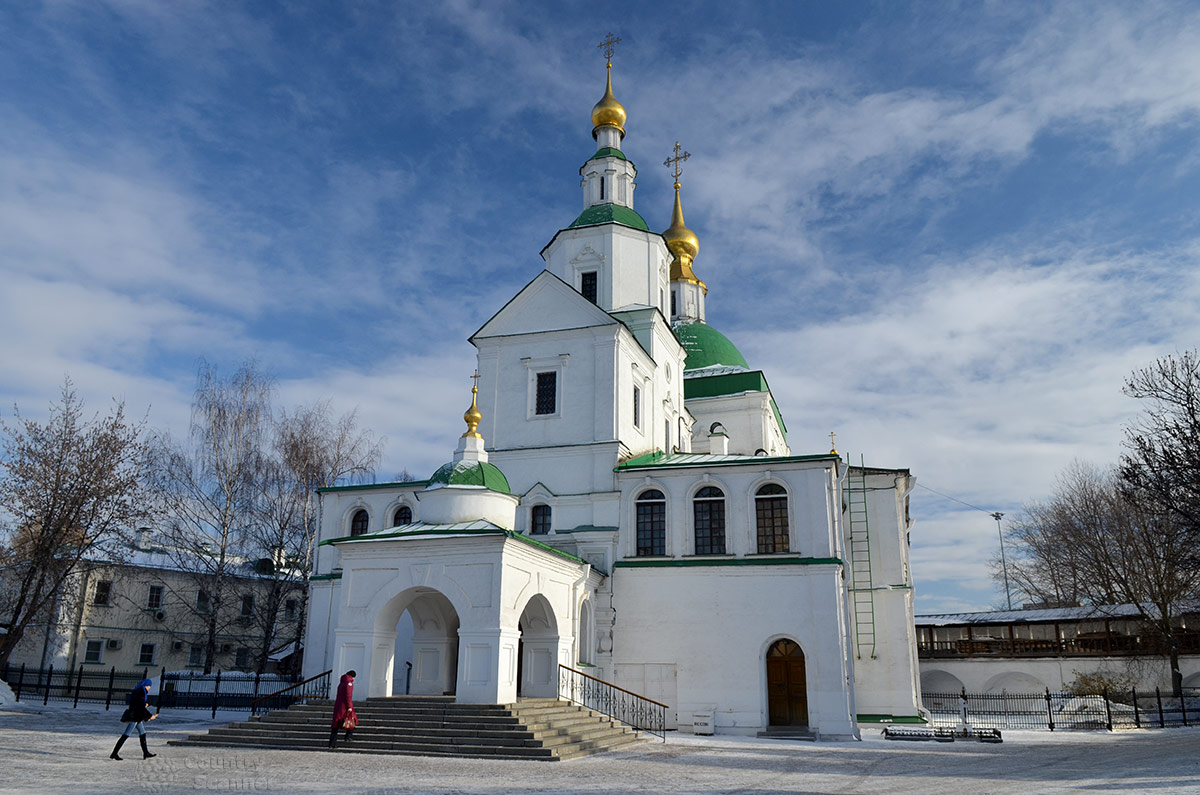 Даниловский монастырь, церковь Святых отцов семи Вселенских соборов – уникальный храм: на первом этаже один, а на его сводах еще два.
