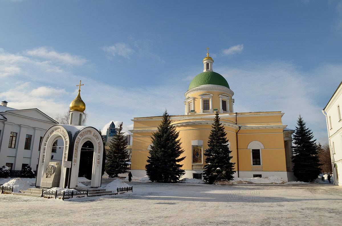 Троицкий собор даниловского монастыря, спроектированный организатором восстановления Москвы после пожара 1812 года, создателем проекта Большого театра Осипом Бове.