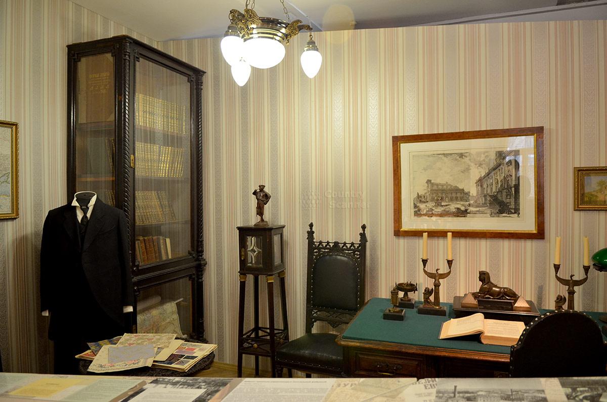 Интерьер квартиры дореволюционного интеллигента в музее Пресня.