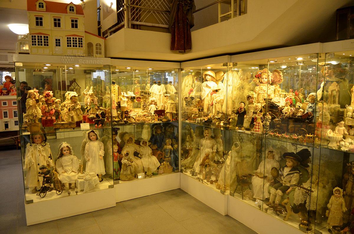 Коллекция уникальных кукол Юлии Вишневской.