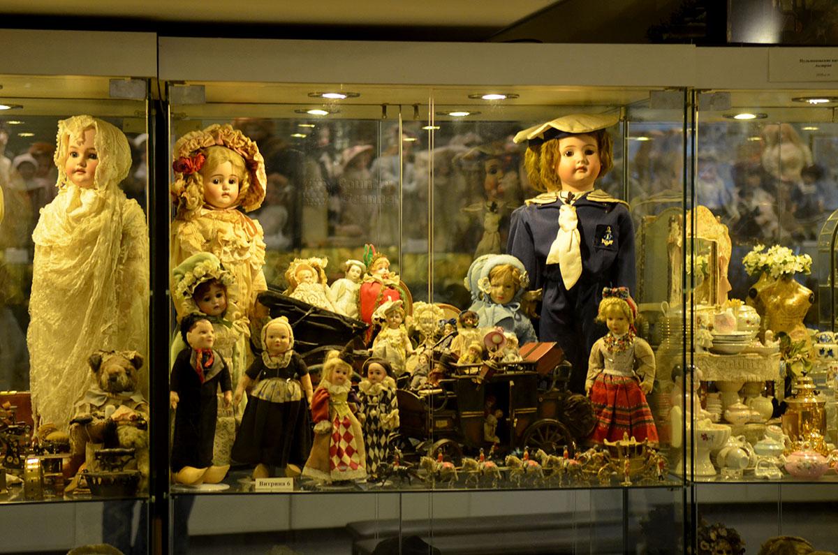 Музей уникальных кукол. Немецкие фарфоровые куклы XIX века.