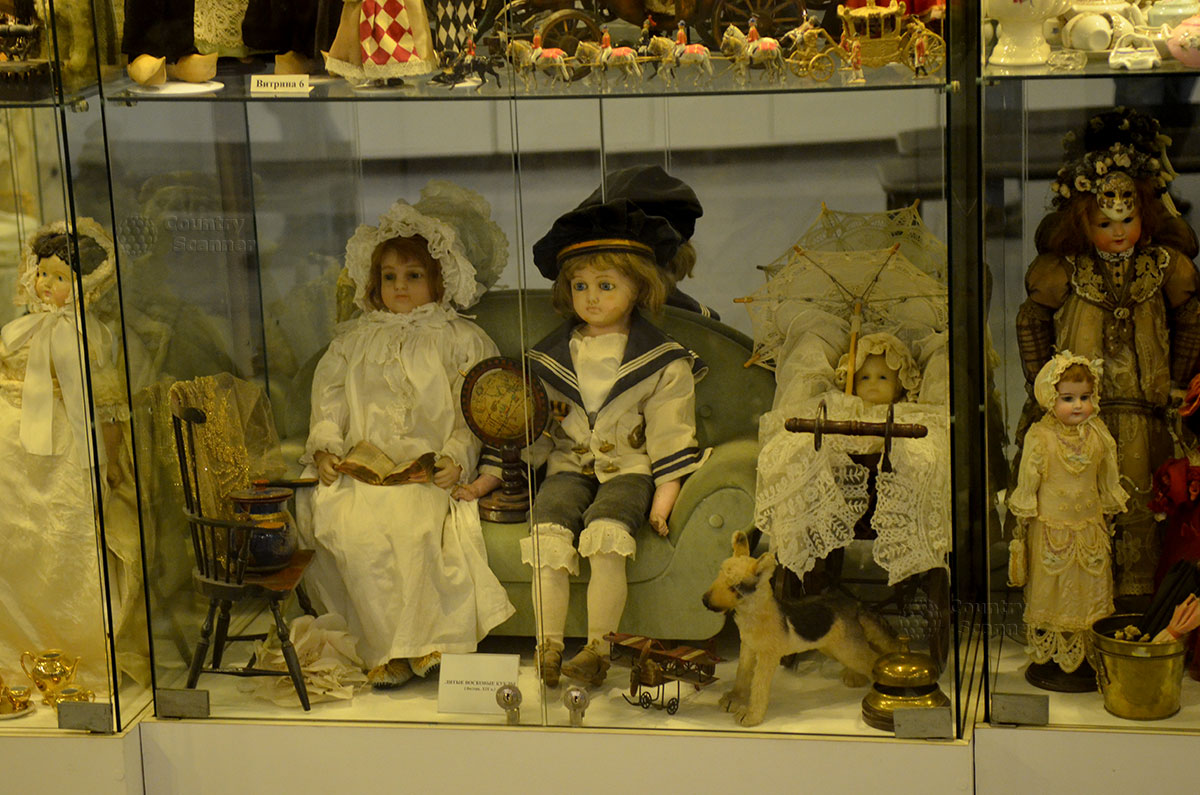 Музей уникальных кукол. Английские восковые куклы.