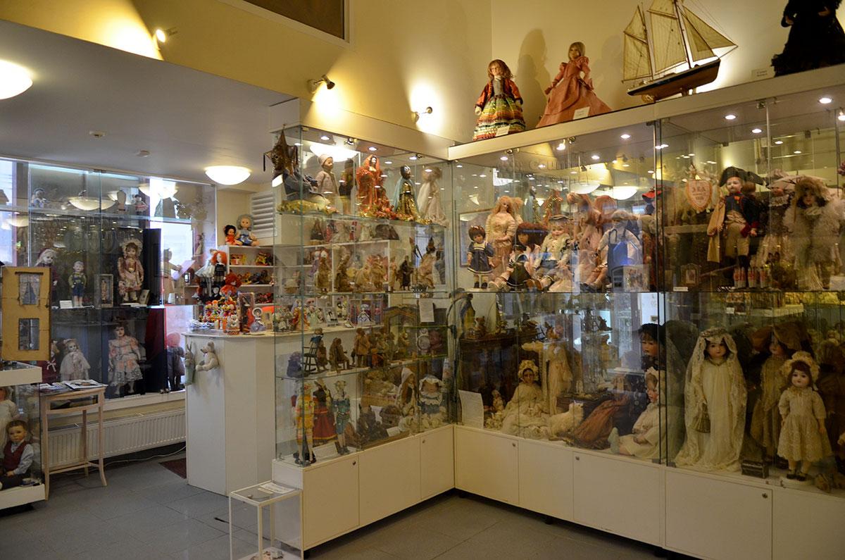 Музей уникальных кукол. Шедевры ведущих кукольных мастеров XVII-XXстолетия.