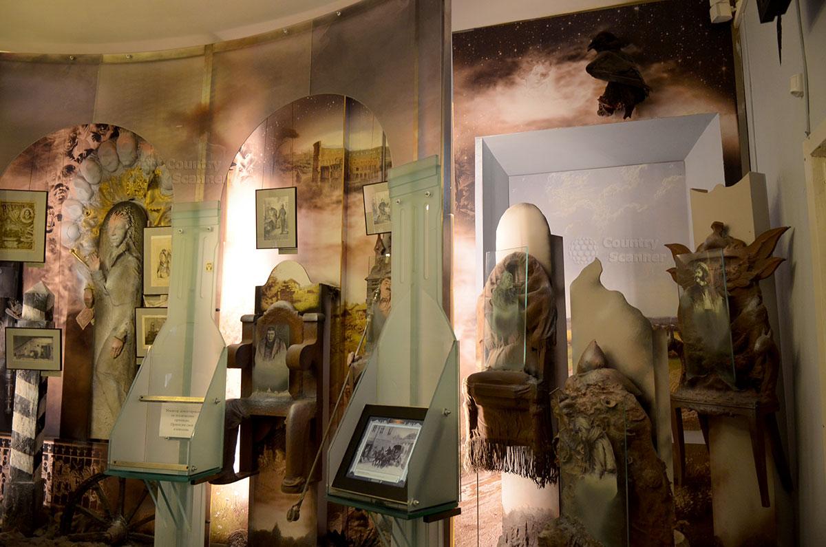 Музей Гоголя, его необыкновенный зал Воплощений. Представлены и материальные экспонаты, и художественное восприятие его загадочных и ярких произведений.