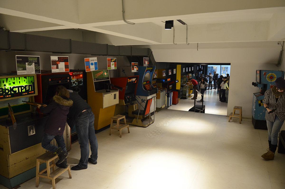 Музей советских игровых автоматов располагает двумя залами, являющимися скорее игровыми, чем демонстрационными.
