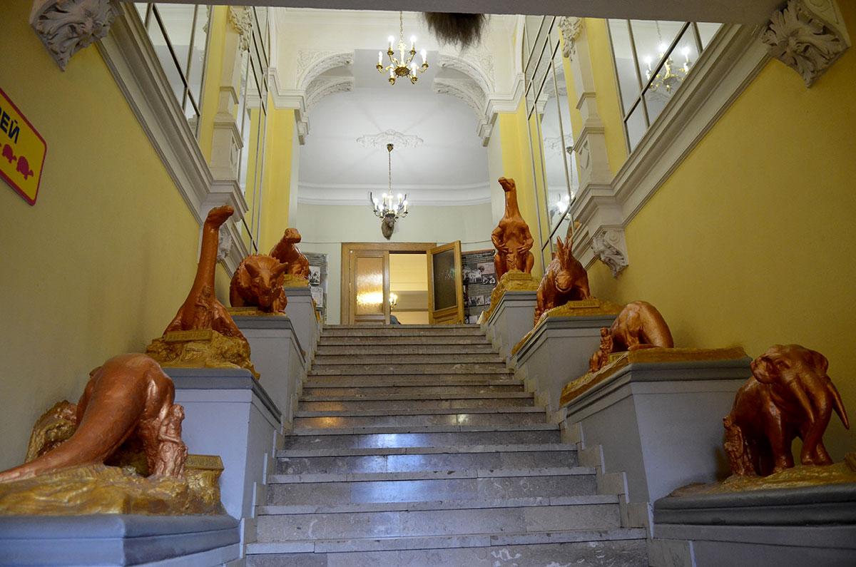 "Лестница, ведущая в музей театра ""Уголок дедушки Дурова"""