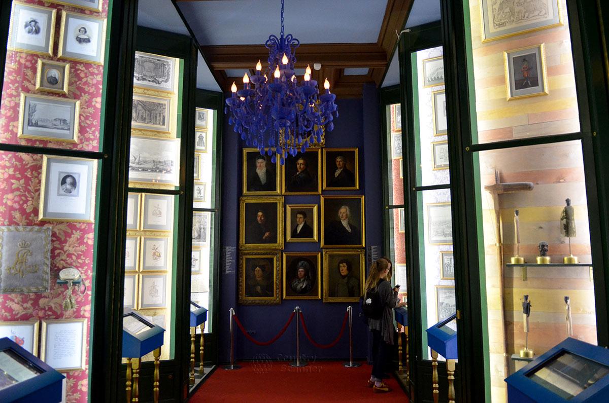 Музей Бахрушина представляет свою центральную экспозицию, рассказывающую об истории организации и становления российского театра в XVIII веке и его выдающихся действующих персонажах.