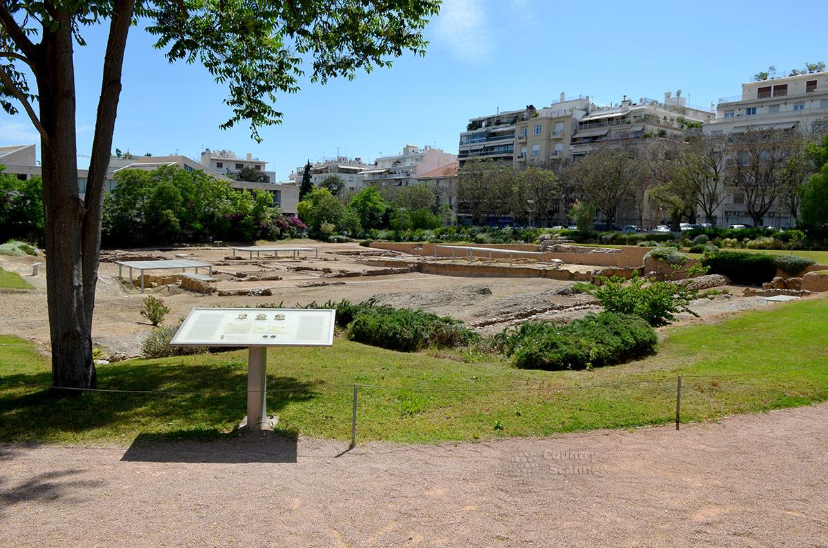 Полный вид территории ликея Аристотеля, одного из первых университетов Древней Греции и всего мира. Великий ученый – энциклопедист преподавал здесь более десятка лет.