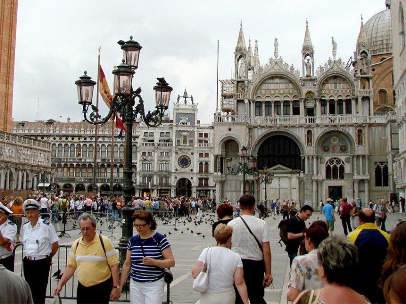Новость 1-05-2017 Туристический поток в Венецию может быть ограничен