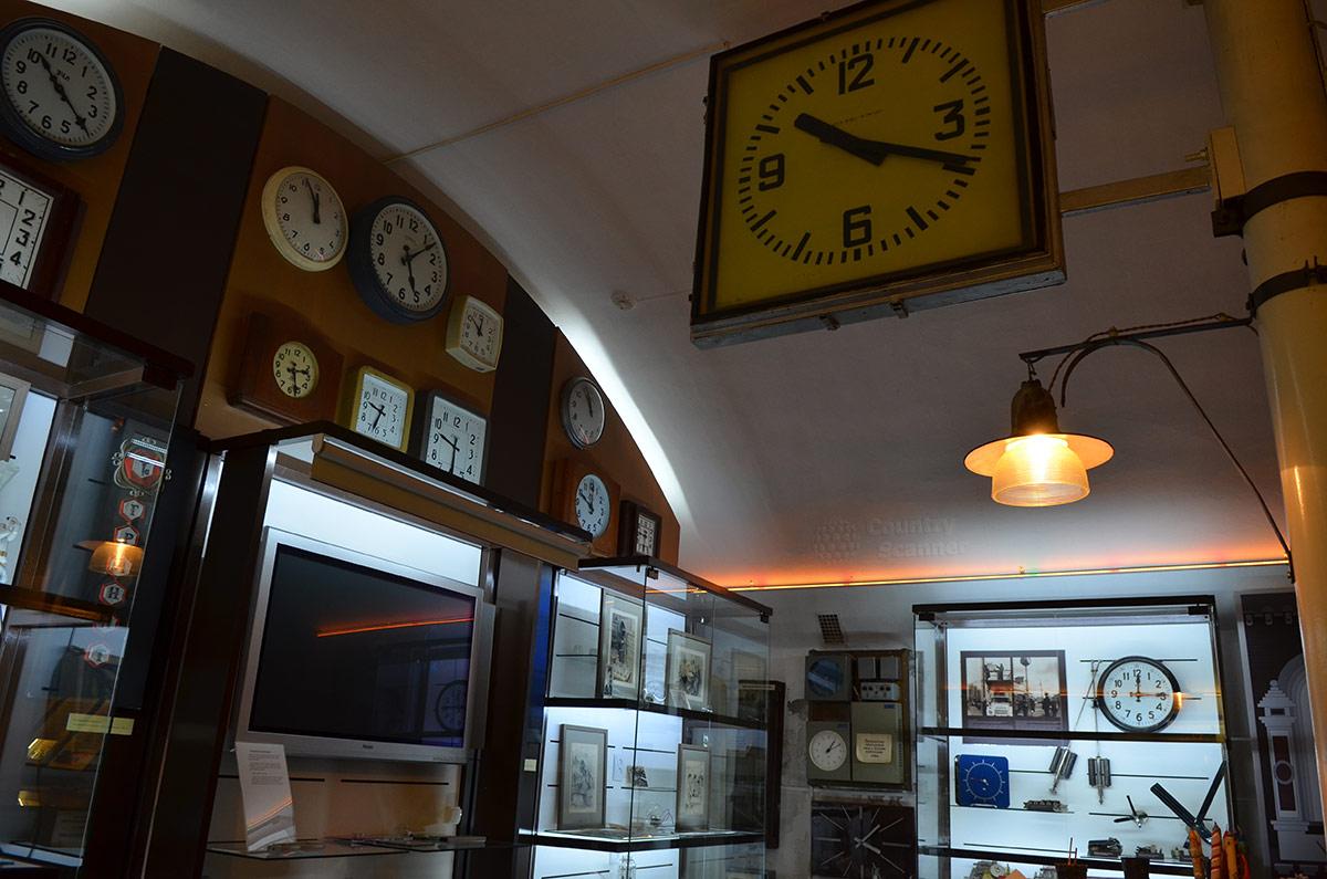 Точное время и единство показаний часов на всех объектах – непременное условие корректной работы системы. Огни Москвы представляют свою часовую коллекцию.