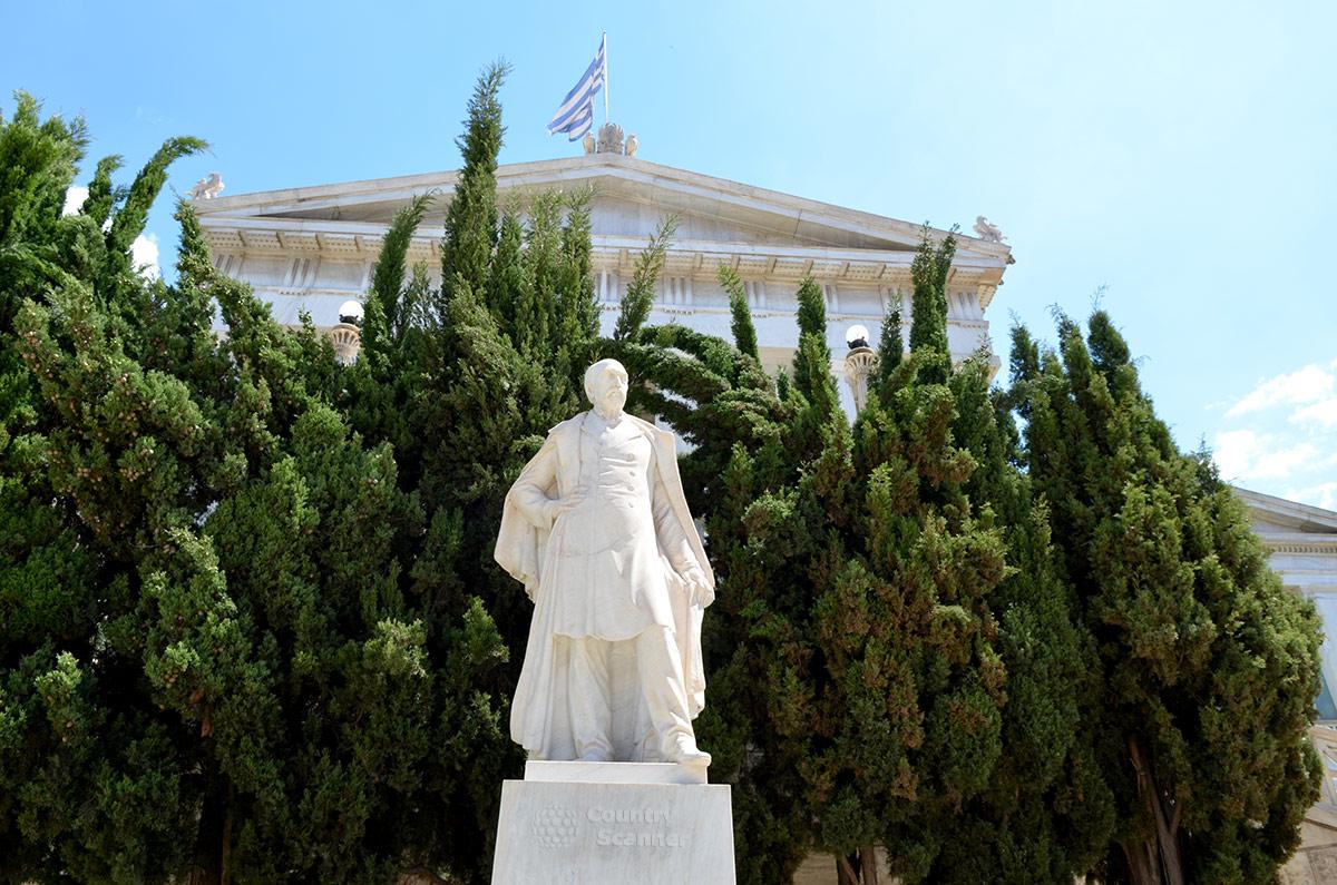 Памятник Панагису Валлианосу возле здания Национальной библиотеки Греции установлен в память о его вкладе в строительство. Богатый судовладелец был главным спонсором правительства страны.