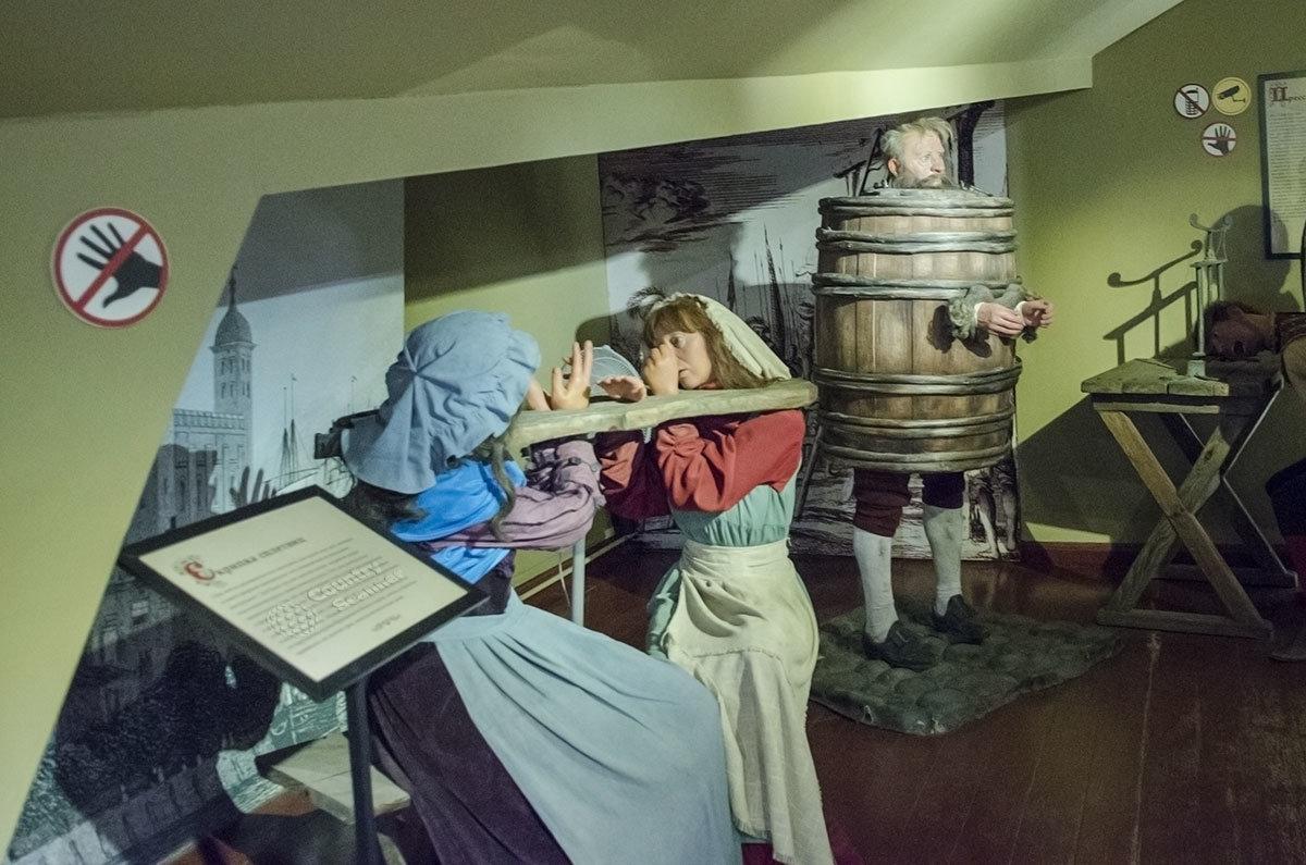Некоторые орудия пыток Средневековья наносили не столько физическую боль. Сколько нравственные страдания.