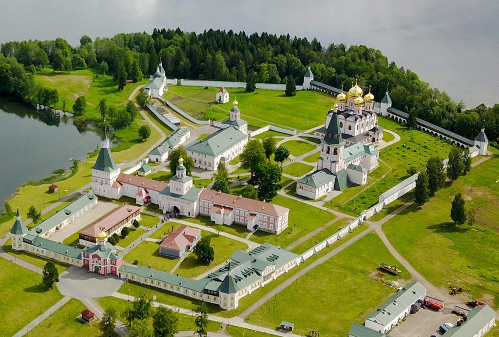 valdayskiy-iverskiy-monastyr-countryscanner-1-1024x691.jpg