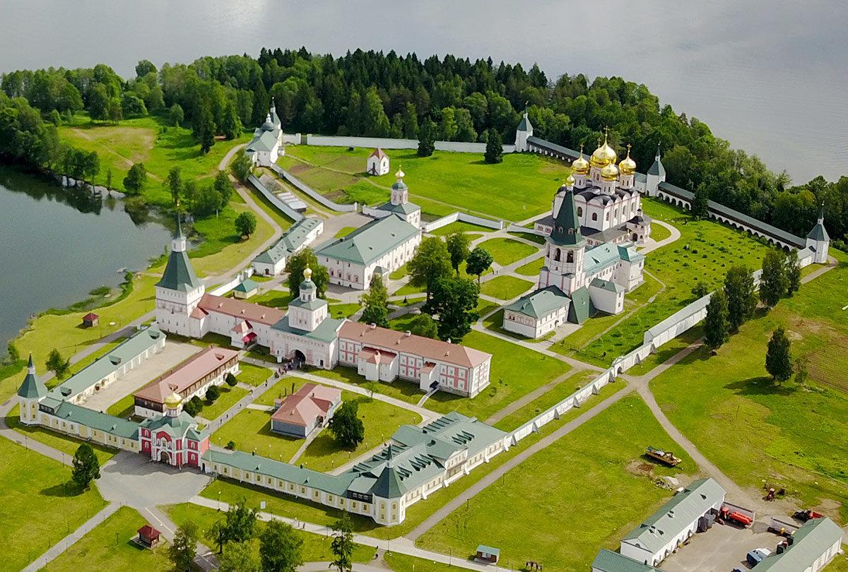 иверский мужской монастырь валдай фото салтыкова заставила своих