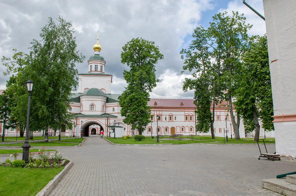 valdayskiy-iverskiy-monastyr-countryscanner-360-1-1024x678.jpg