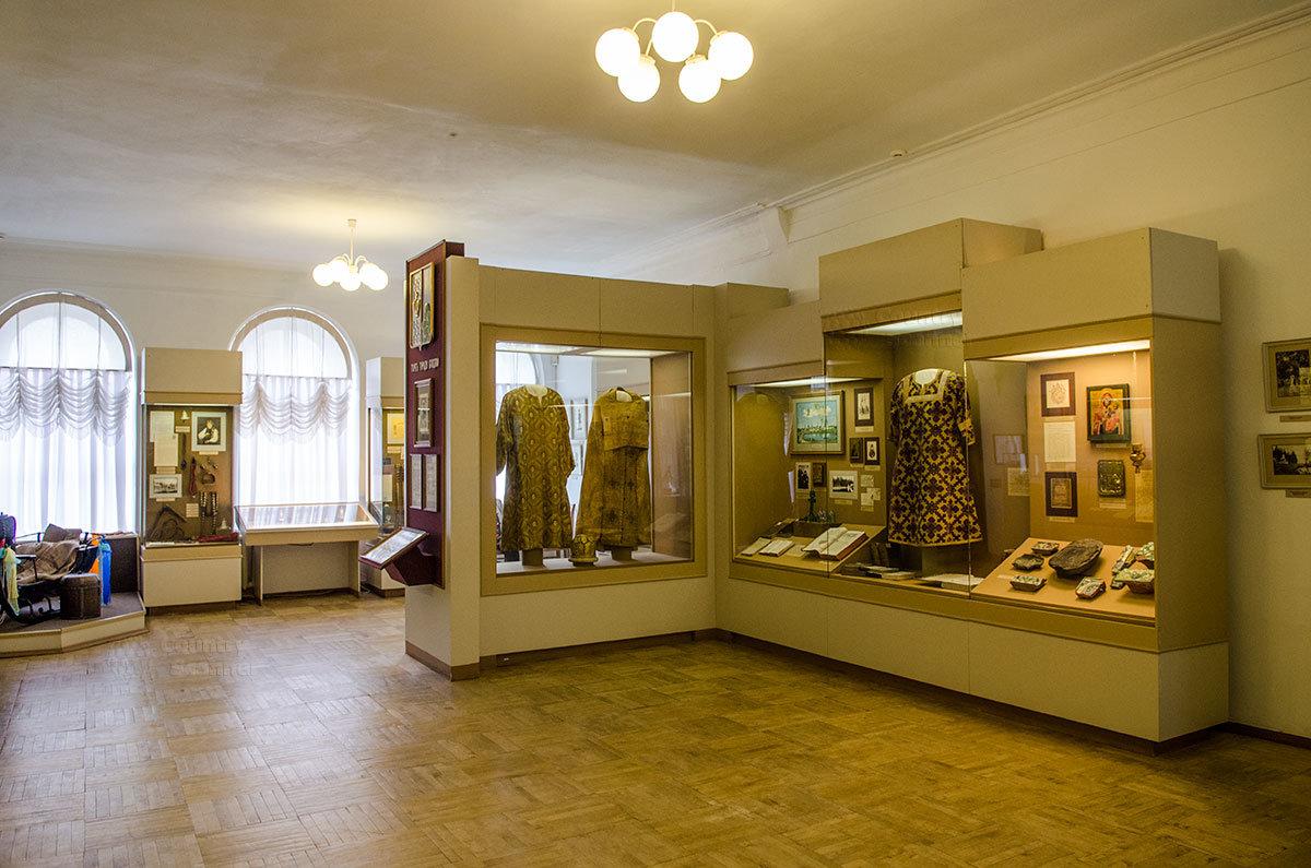 Большую ценность имеет экспозиция музея уездного города, посвященная главной жемчужине Валдая – Иверскому монастырю.