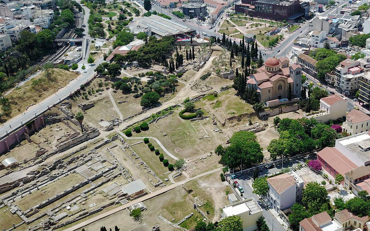 Высотный снимок афинского района Керамикос, выполненный беспилотником, является наглядным макетом местности.