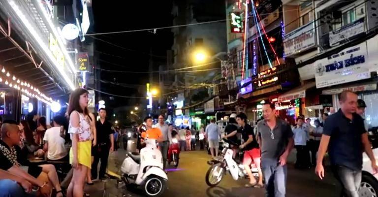 20 августа состоялось открытие пешеходной улицы Bui Vien