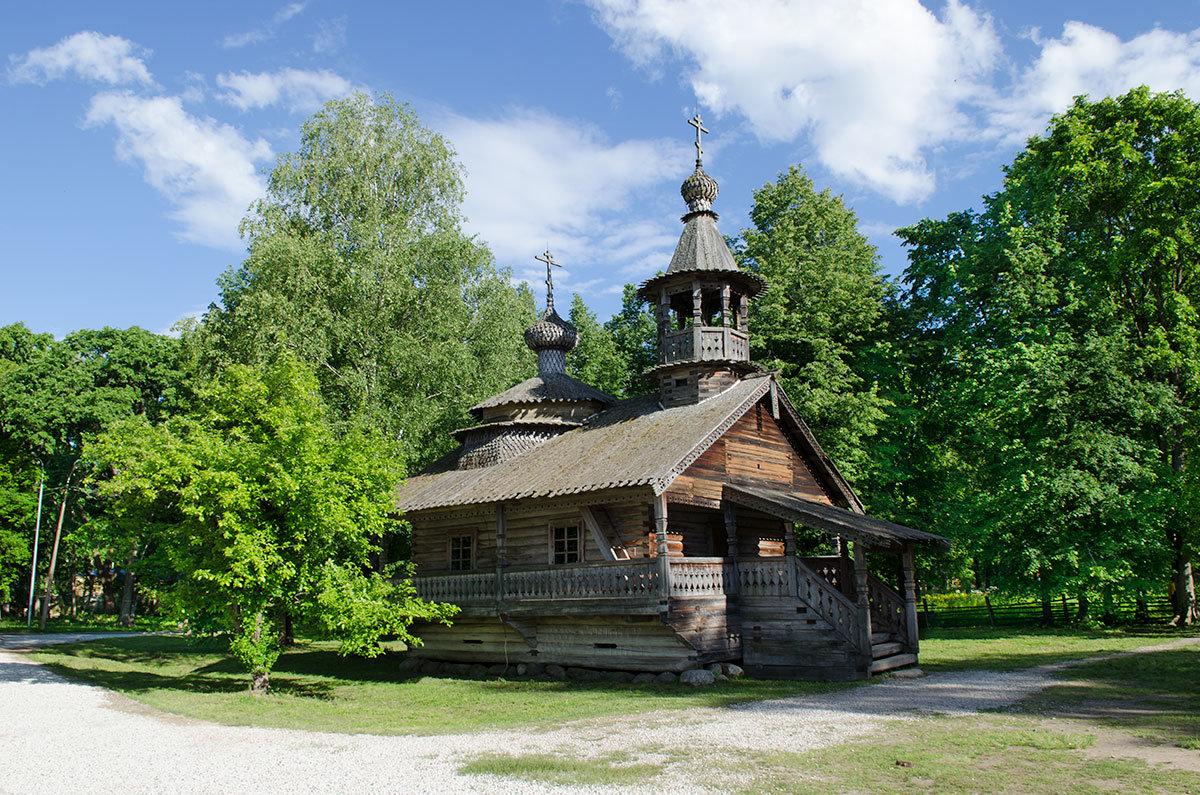 Музей Витославлицы собрал несколько зданий культового назначения, изготовленных из дерева по канонам православных храмов.