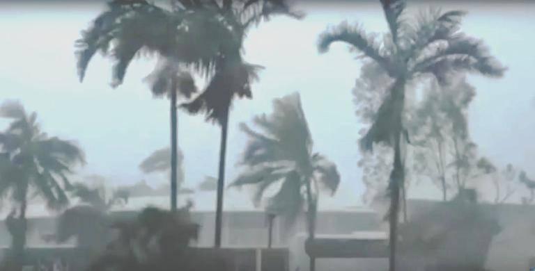 """Из-за урагана """"Ирма"""" туристов готовы эвакуировать с Доминиканы"""