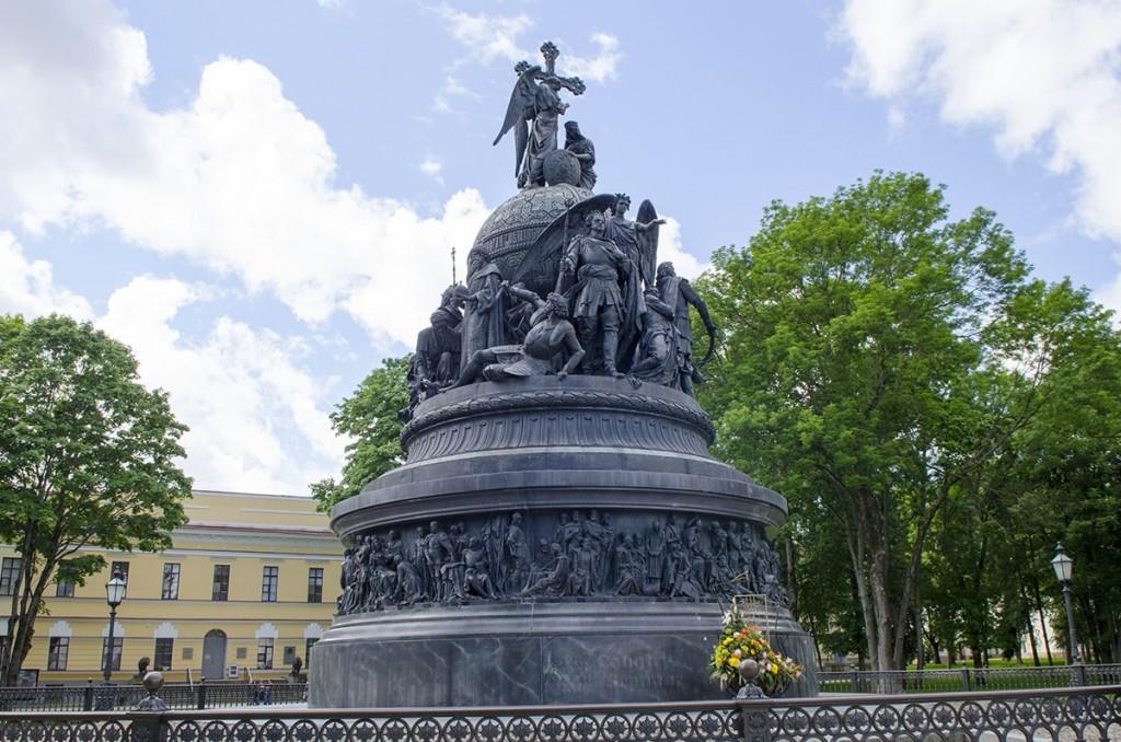 pamyatnik-tysyacheletiyu-rossii-countryscanner-1-1024x678.jpg