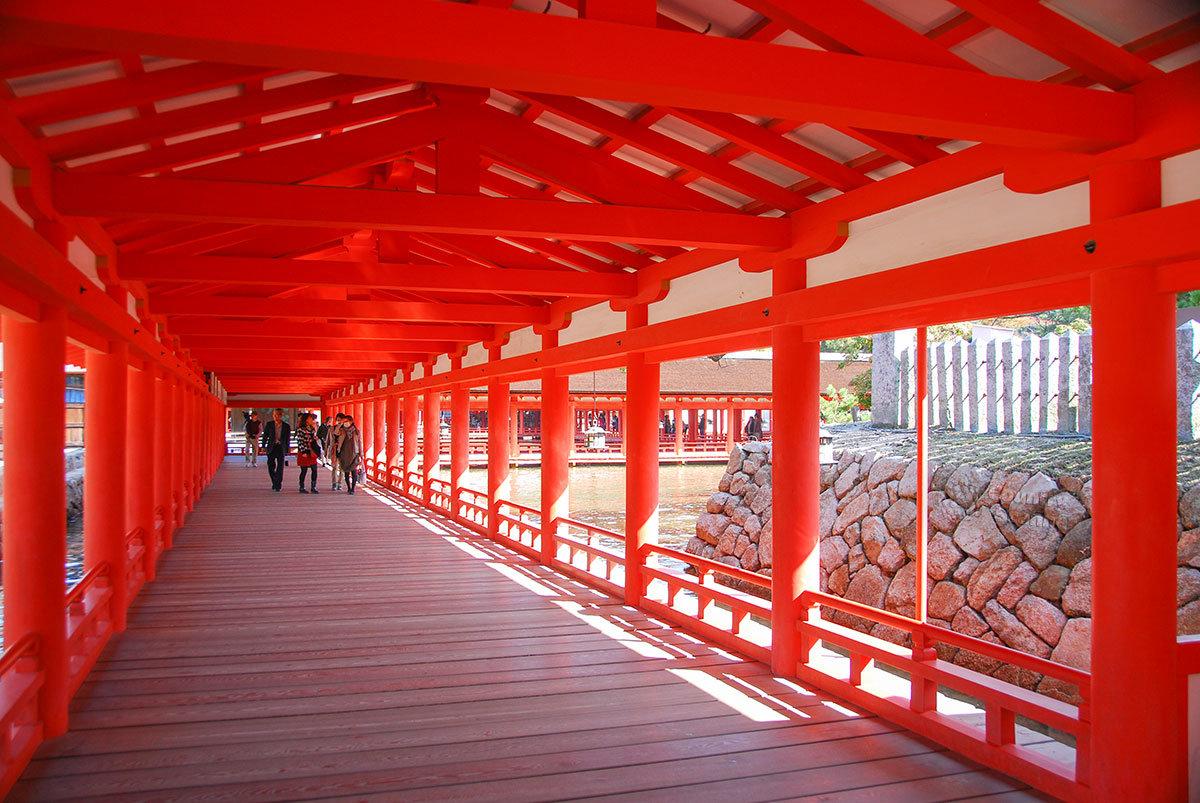 Святилище Ицукусима. Переходная галерея