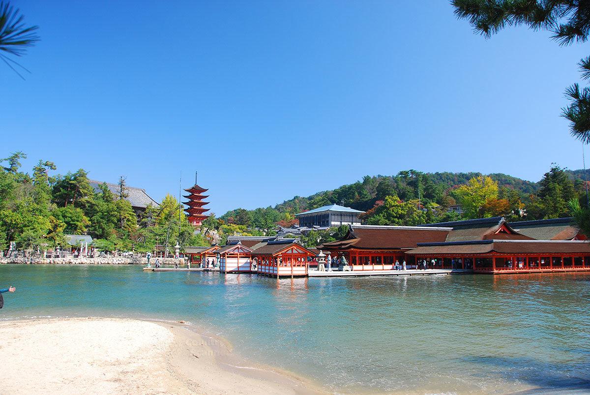 Храмовый комплекс Ицукусима