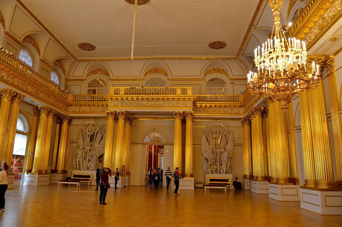 Гербовый зал в Эрмитаже