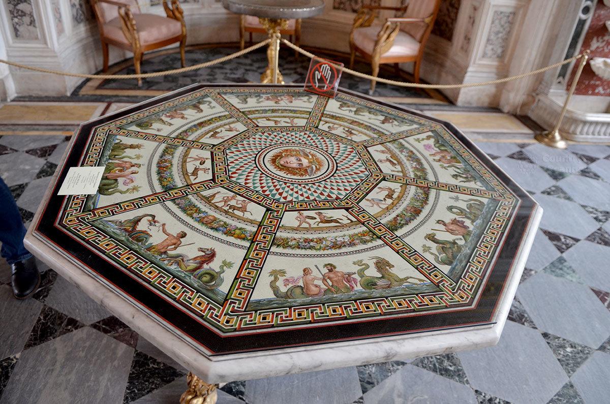 Мозаичные столы в Малом Эрмитаже