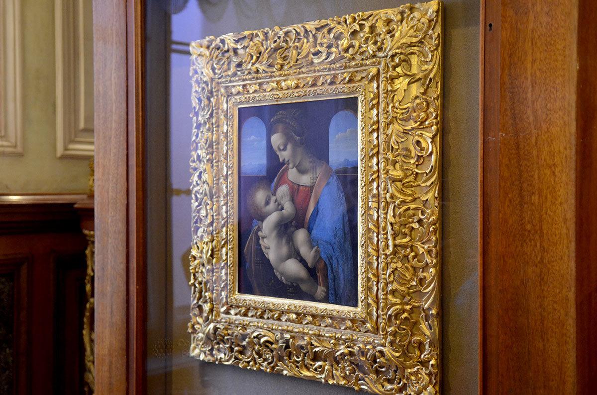 Мадонна с младенцем (Мадонна Литта) - жемчужина коллекции Эрмитажа